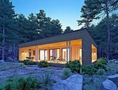 From a tiny smart dwelling to an off-grid boathouse, here are five Austin homes that showcase the power of prefab. Log Cabin Home Kits, Log Cabin Homes, Prefab Cabin Kits, Cabins, Prefabricated Houses, Prefab Homes, Compact House, Austin Homes, Austin Texas