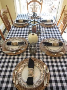 Calypso In The Country: Black and White Fall Table