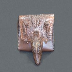 Авторская женская сумка №1 из натуральной кожи крокодила. Ручная работа, с ремешком через плечо, оплётка боковых граней.