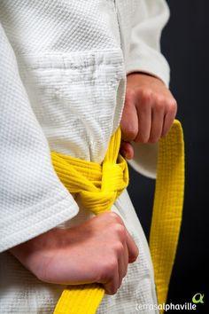 Essa dica é para incentivar o seu filho a começar a treinar o quanto antes. O judô é um esporte que tem um intuito de fortalecer o físico, a mente e o espírito. Essa prática nipônica é disseminada entre todas as idades, desde as crianças até os idosos.
