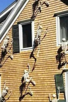 Now, this Halloween party decoration really freaks me out. Just imagine your home being invaded with skeletons trying to scramble up your walls. My worst nightmare. Which is why it's the perfect Halloween outdoor party decoration! The more skeletons the better the effect! See more party ideas and share yours at CatchMyparty.com Halloween Post, Spirit Halloween, Holidays Halloween, Halloween Party Supplies, Halloween Party Decor, Outdoor Halloween Parties, Welcome Home Parties, Favorite Holiday, Skeletons