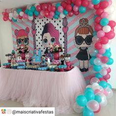 Festa L.O.L. Surprise . Decoração @maiscriativafestas Objetos decorativos e Painel temático @lok.decore Doces gourmet @ateliepaodemel Bolo decorado @nerietealmeida #festalolsurprise #decoracaofestalol #decoracaololsurprise #lol #lolsurprise #lolsurpriseparty #partylol #festainfantilsalvador #festainfantilnordeste #guiadefestas #kikidsparty #carolfesteira #festacriativa @RepostIt_app