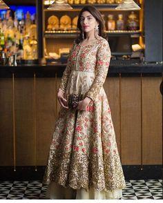 Rashi Kapoor Couture #indianfashion #therightshadeofred #urvashikumar #indianfashionblogger