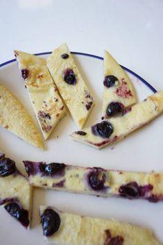 Pfannkuchen ohne Zucker mti Beeren von breifreibaby