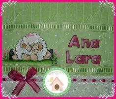 Ovelhinha fofa na toalha de mão! www.facebook.com/lexavierarts