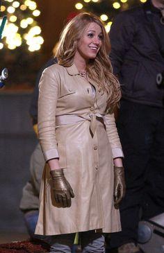 Gloves Fashion, Fashion Boots, Women's Fashion, Elegant Gloves, Black Leather Gloves, Celebs, Celebrities, Leather Fashion, Latex