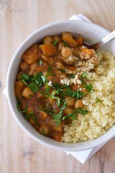Estufado marroquino de grão-de-bico com legumes e damascos   Receita