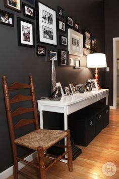 love the black and white pictures with the dark wall color. Charcoal Walls, Black Walls, Charcoal Paint, Grey Paint, Chicago Apartment, Rental Decorating, Decorating Ideas, Up House, My Living Room