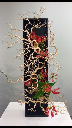 Ideas Flowers Art Arrangements Ikebana For 2019 Ikebana Flower Arrangement, Ikebana Arrangements, Modern Flower Arrangements, Deco Floral, Arte Floral, Flower Show, Flower Art, Cactus Flower, Sogetsu Ikebana
