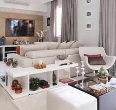 Mesa atras de sofa