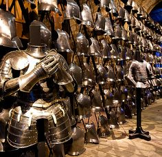 The Royal Armouries, Tower of London, England..... http://www.medievalwarfare.info