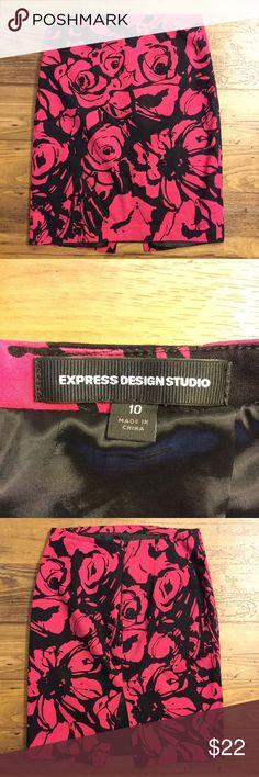 Express pink black floral skirt size 10 Lined. Back zipper. Back slit. Gently used. Express Skirts Pencil