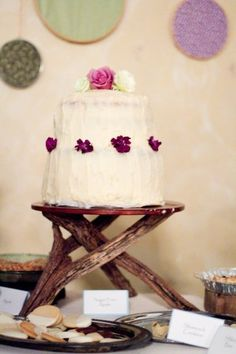 DIY cool rustic cake stand