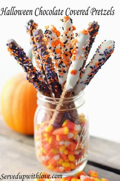 Served Up With Love: Halloween Chocolate Covered Pretzels. Sweet and salty combo with a little Halloween flair. #Halloween