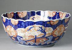 Imari Porcelain Bowl Japan / Japanese Antiques : More At FOSTERGINGER @ Pinterest ⚫️