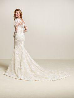 Wedding dress semi-sweetheart neckline