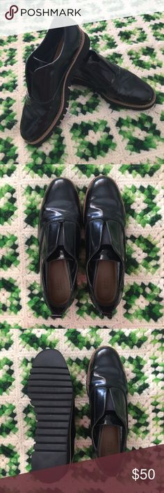 Black ANTIK BLUCHER Slip On Ankle Loafers Oxford PLEASE SEE ZARA SIZE CHART BEFORE PURCHASING Like new! Barely worn shoes. Only sign of wear is minor scuff mark on the side of the left shoe (see photo). Versatile shoes that go with many things. Can be dressed up or down. Unlike Poshmark, Zara size chart indicates that their 37's are the equivalent to a 6.5 in US. Zara Shoes Ankle Boots & Booties