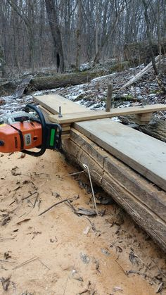 Homemade Chainsaw Mill, Portable Chainsaw Mill, Portable Saw Mill, Wood Shop Projects, Woodworking Projects Diy, Woodworking Shop, Woodworking Plans, Lumber Mill, Wood Mill