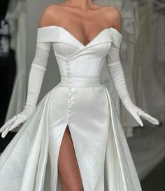 Elegant Dresses, Pretty Dresses, Beautiful Dresses, Formal Dresses, Dream Wedding Dresses, Bridal Dresses, Gala Dresses, Looks Chic, Dream Dress