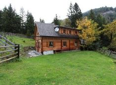 Hütten und Chalets in Österreich | Mondial Reisen Cabin, Country, House Styles, Home Decor, Chalets, Electric Underfloor Heating, Driveways, Double Room, Cottage House