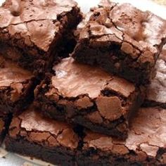 Fudgy Brownies II,Prep Time:15 Minutes,Cooking Time:35 Minutes,Directions:1. Preheat oven to 350 degrees F (175 degrees C). Grease and flour a 9x13 inch pan.      2. In a large bowl, stir together the cocoa and baking soda. Add 1/3 cup vegetable oil and boiling water. Mix until well blended and thickened. Stir in the sugar, eggs, and remaining 1/3 cup oil. Finally, add the flour, vanilla and salt; mix just until all of the flour is absorbed. Spread evenly into the prepared pan.      3…
