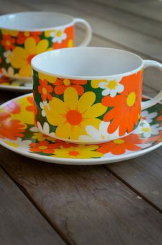 1970s Soup Cups & Sandwich Plates - Retro Ceramic Flower Soup Mugs and Saucers - Yellow Orange Daisy Dishes - Vintage Lunch Set