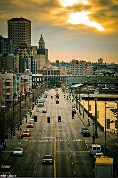 Alaskan, Seattle - fajnie czasem jest się zatrzymać i w chwili zadumy wyobrazić sobie jak by to było żyć w jednym z takich miast? Ekscytujące prawda?