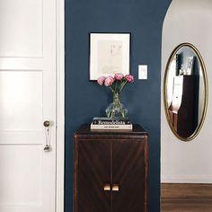 Farrow Ball, Farrow And Ball Paint, Modern Farmhouse Interiors, Dark Interiors, Dining Room Paint Colors, Room Colors, New Living Room, Living Room Decor, Hallway Colours