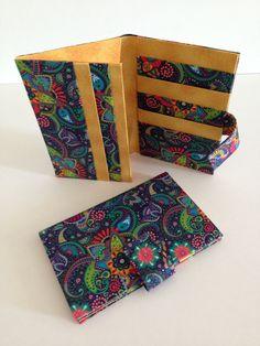 Carteira em cartonagem - tecido digital
