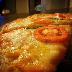 Pizza caseira...  #cozinhanoape #cozinhaterapia #gastronomia #gourmet #culinaria #receita #amocozinhar #instafood #culinary #gastronomy #food #gourmet #cheflife #cooking #foodporn #instafood #gastronomiaetc #comida #masterchefbr #pizza by cozinhanoape http://ift.tt/1NQVmkc