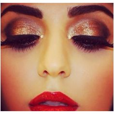 such pretty make up, i wish i could pull off red lipstick :/