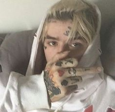 rip gus ::: baby you're the one for me, that's for sure, i just need your company, so ride slow. Hip Hop, Lil Peep Beamerboy, Rapper, Lil Peep Hellboy, Goth Boy, Emo Goth, I Miss U, Trap, Baby Daddy