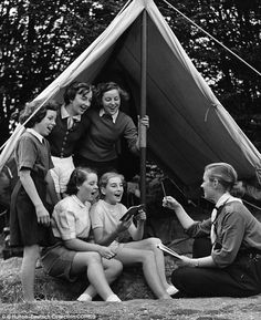 Girl Guides take a feminist stance. (English Girl Guides in Hertfordshire in Ww2 Women, English Girls, Cartoon Kids, Cartoon Icons, Cartoons Love, Cartoon Profile Pics, Halloween Cartoons, Family Planning, How To Make Comics