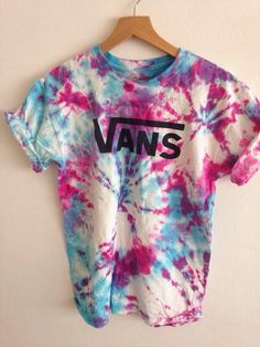 Vans Tie Dye t-shirt Vans Tie Dye, How To Tie Dye, How To Wear, Tie Dye Crafts, Tie Dye Techniques, Mein Style, Fashion Mode, Style Fashion, Diy Clothes