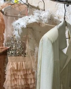 Our absolutely favourite must have Christmas looks for 2018 Looking to surprise your other half this holiday season? These slay my look creations are sure to do the trick Best Formal Dresses, Holiday Dresses, Special Occasion Dresses, Classy Evening Gowns, Bridal Dresses, Prom Dresses, Tulle Ball Gown, Lesage, Perfect Prom Dress