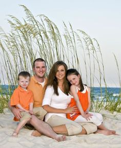 Another possible color for our beach pics - Orange! Family Beach Portraits, Family Beach Pictures, Vacation Pictures, Family Images, Family Pictures, My Family Photo, Family Picture Poses, Family Posing, Cute Photography