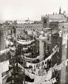 """Circa """"Yard of tenement, New York City."""" Hung out to dry somewhere in Manhattan.would love to see the Tenement museum in the city. Vintage Pictures, Old Pictures, Old Photos, Vintage New York, New York Photographie, Mundo Tattoo, Photo New York, Shorpy Historical Photos, Historical Pictures"""