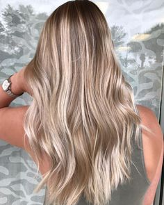 The best balayage trends 2018 and 2019 The best hair trends for . - The best balayage trends in 2018 and 2019 The best hair trends for balayage hair. Hair Color Balayage, Ombre Hair, Wavy Hair, Blonde Balayage Highlights, Balayage Hairstyle, Bayalage, Balyage Long Hair, Blonde Balyage, Natural Blonde Balayage