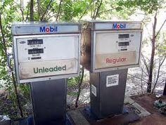 倫☜♥☞倫 1972 service station gas pumps, regular or unleaded and was .32 cent a gal....♡♥♡♥Love it!