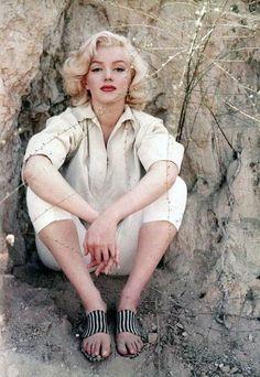 Marilyn Monroe at Laurel Canyon, 1953.