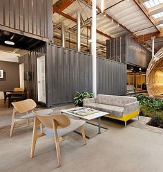 Containers Architecture Design, Architecture Office, Architecture Names, Office Buildings, Chinese Architecture, Futuristic Architecture, Commercial Design, Commercial Interiors, Office Interior Design