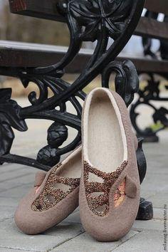 """Обувь ручной работы. Ярмарка Мастеров - ручная работа. Купить """"Glam"""" тапочки-балетки валяные. Handmade. Коричневый, тапочки из шерсти"""