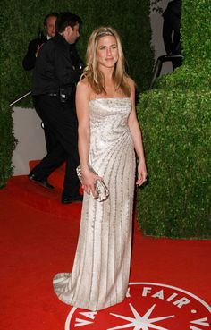 Jennifer Aniston in Valentino Haute Couture - 2009 Vanity Fair Oscar Party