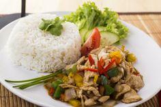 A Csirke oyster szósszal osztrigaszósszal és szójaszósszal ízesített kellemesen bársonyos, harmonikus thai étel.