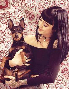 Hannah Snowdon and Oskar Hannah Snowdon Tattoo, Hannah Pixie Snowdon, Grace Neutral, Pin Up, Artists And Models, Perfect Woman, Girl Tattoos, Tattoo Girls, Girl Crushes