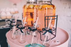 Идеи кенди бара на свадьбу с пузырями l капкейки l wedding photozone ideas and pink sweet table with cupcakes and lemonade