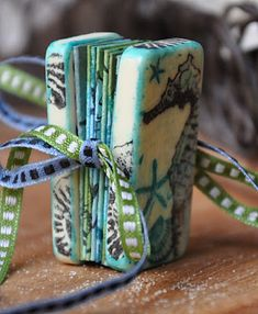 Liesbeth's Arts & Crafts: Domino book