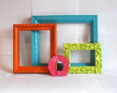 Vive la Couleur Frame Collection 4 pcs by MandolinGoose on Etsy Home Crafts, Fun Crafts, Diy And Crafts, Arts And Crafts, Spray Paint Frames, Painted Frames, Spray Painting, Cute Frames, Picture Frames
