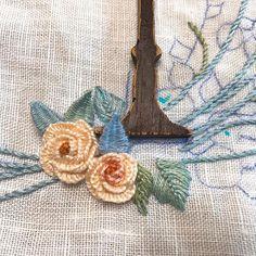맹글어 봅시다~~^^ : : #embroidery #needlework #crochet #flowers #lace #handmadedoll #knitting #painting #vintage #자수타그램 #자수소품 #뚝딱마녀공방 #대구프랑스자수 #대구공방 #자수놓기#소품만들기