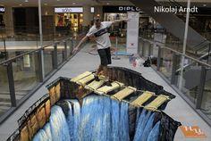 Nikolaj Arndt is an amazing 3d chalk artist!